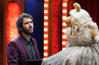 JOSH GROBAN, MISS PIGGY