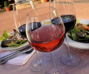 resized_Disney_Food_Wine_Disneyland